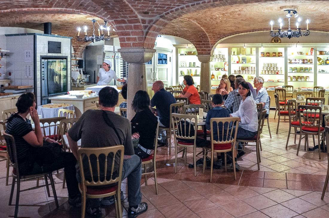 Cafe Restaurant Rezidenz Viena Schonbrunn - Original Wiener Strudelshow