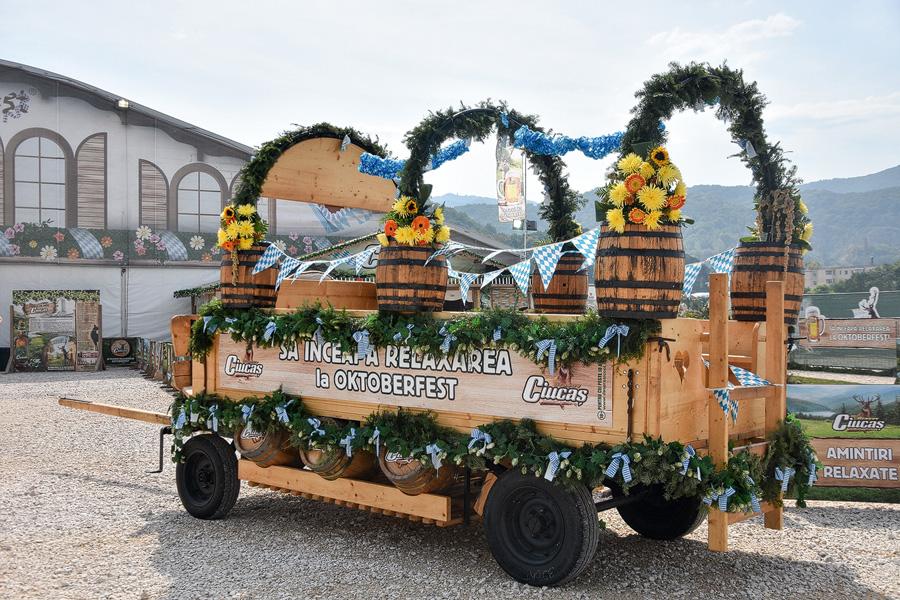 Oktoberfest Brasov car alegoric cu bere