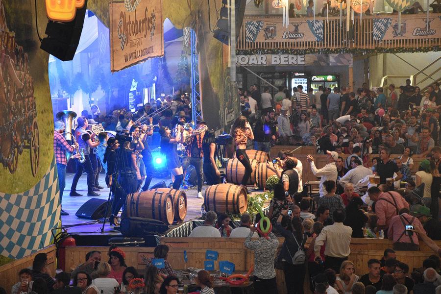 Oktoberfest Brasov show pe scena