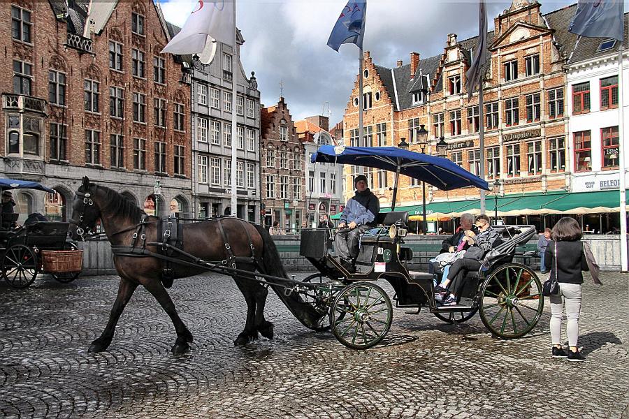 Bruges trasura in Piata mare