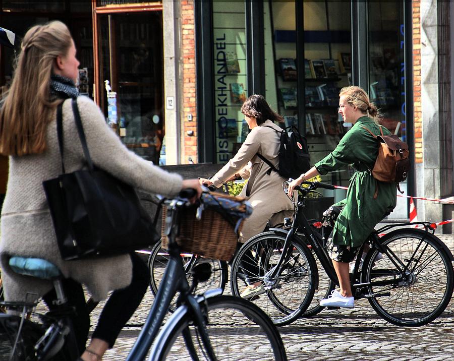 Bruges biciclete pe starda