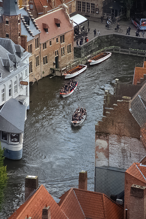 Bruges canal si barci